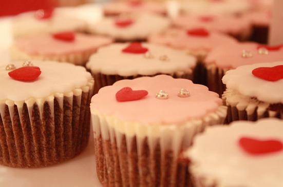 Wedding Cupcake by Weennee